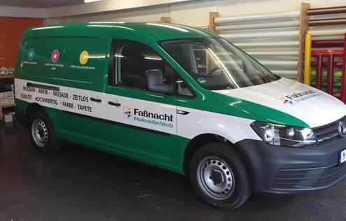 Autobeschriftung grün weiß Lieferwagen