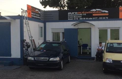 Werbeschild Autoverkäufer schwarz grau orange
